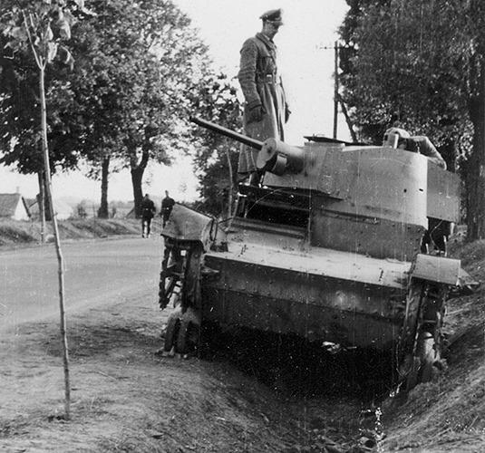 zerschossener-polnischer-Panzer