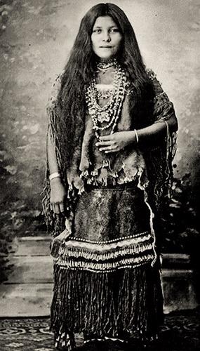 apache-woman